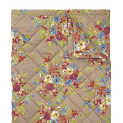 Lucy Quilt & Shams image 4