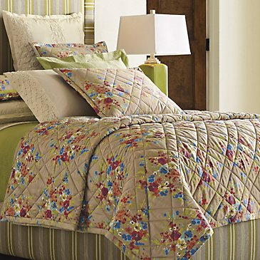 Lucy Quilt & Shams