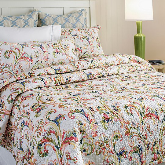 Freesia Quilt & Shams